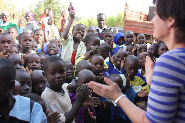 singing-with-the-african-children